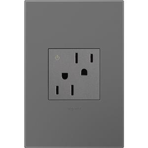 Prise de courant gris magnésium controlée résidentielle inviolable adorne par Legrand de 15 A