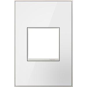Plaque murale unique adorne par Legrand, miroir blanc