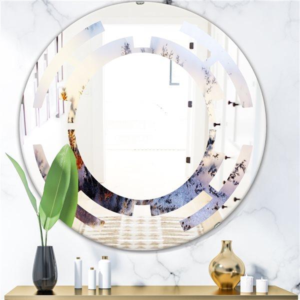 DesignArt 24-in x 24-in Khazakstan Dendrite Crystals Macro Round Polished Wall Mirror